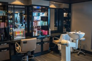 Hairdressing and beauty salon