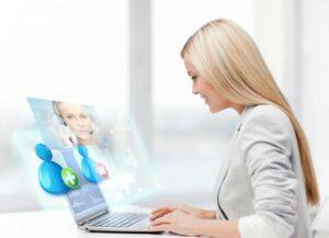 businesswoman-communicating-with-helpline-operator